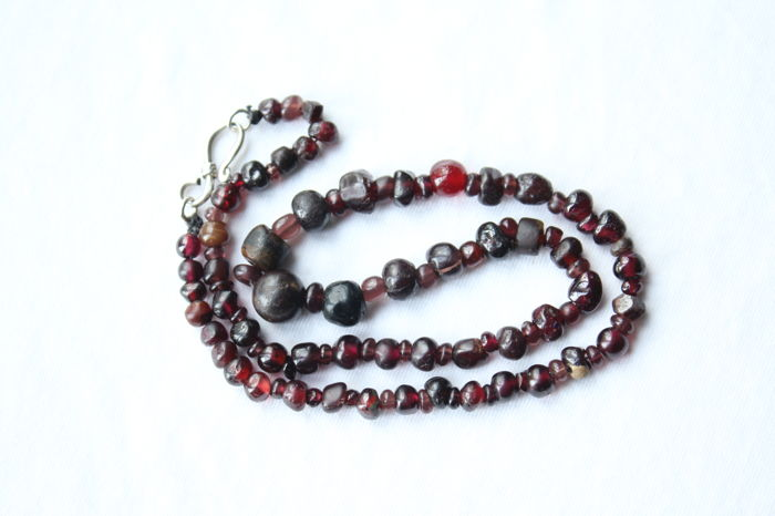 Ancient garnet  bead necklace-L.45cm