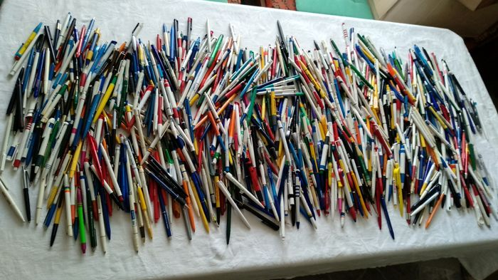 Collection with more than 1750 x advertising - pens
