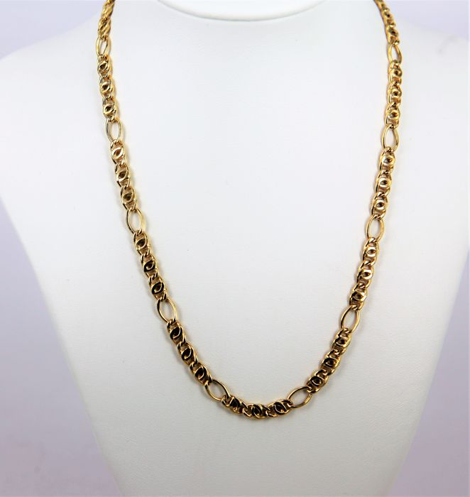 "Necklace, made in Italy by ""S A.L. P."" Alternating partridge-eye links in 18 kt (750/1000) yellow gold- Length 45 cm"