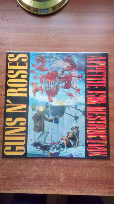 "Guns 'n' Roses Appetite for Destruction Red Vinyl & 12"" Single Paradise City"