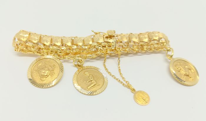18 kt yellow gold bracelet - With 4 medals - Length: 18.5 cm