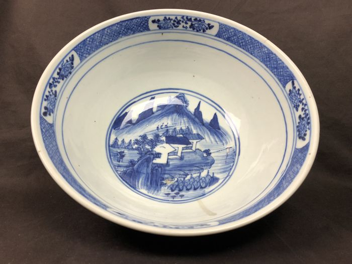 Large bowl -China - Qing-dynasty -  19eew