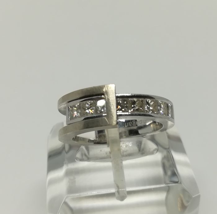 Martin Bagan - cocktail ring in 18 kt white gold with princess cut diamonds - (1.07 ct) tatum 12.5
