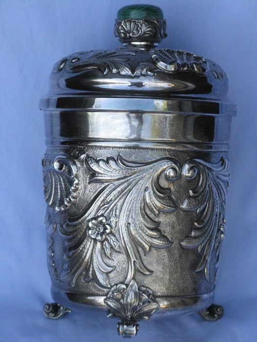 Cookie jar in silver 925, with vermeil interior and malachite knob - 1970s - by Italian silversmith Stancampiano, Palermo, Italy