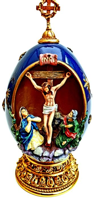 "House of Faberge - Religious Holy Egg ""The Crucifixion"" - Complete with 24 carat gold"
