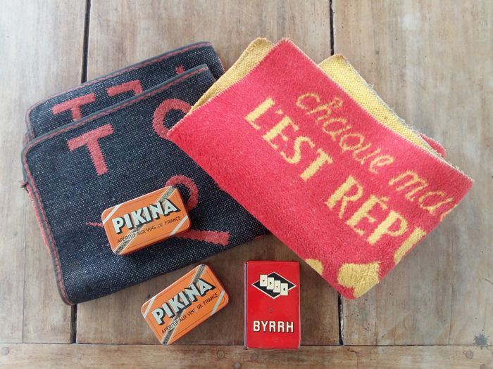 Lot 2 carpets for card games, 3 boxes of card games - Amer Picon, Byrrh, Pikina, Bigallet Citron, l'Est Répubicain - 50s