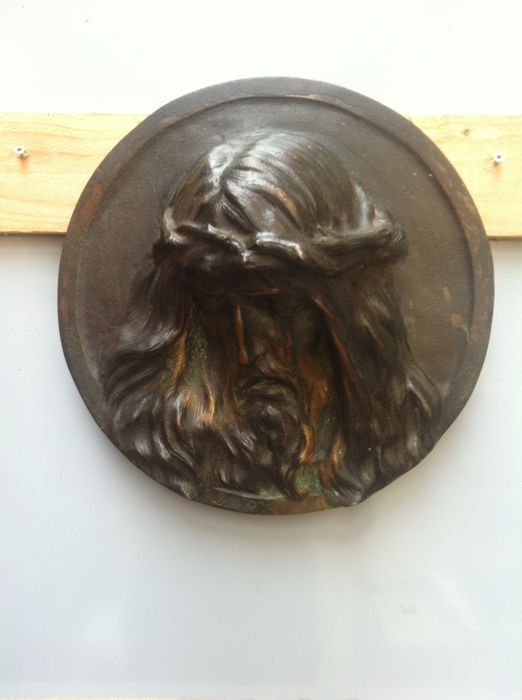 Round bronze plaque depicting the head of Jesus Christ - 19th century - Signed Norca