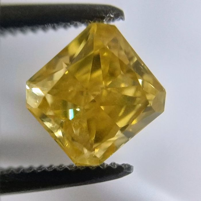 0.85 Carat Natural Diamond Fancy Intense Orangy Yellow Radiant GIA Certificate included