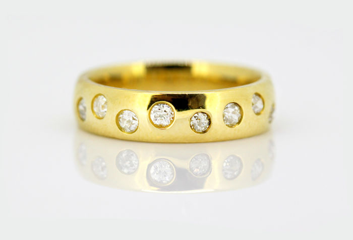 18K Yellow gold ladies ring with diamonds (0.42 ct total), By W&HJ, London 2001