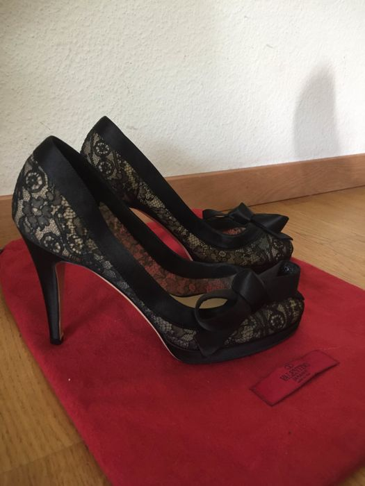 Valentino shoes size 37
