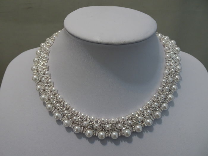 Camrose & Kross - Jackie Kennedy - Necklace with faux pearl and swarovski crystals
