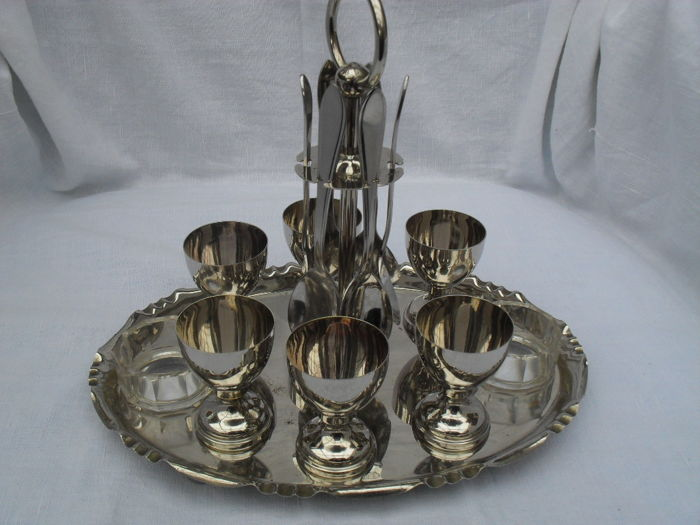 Very beautiful 6 Person Retro Plated Egg cups Set
