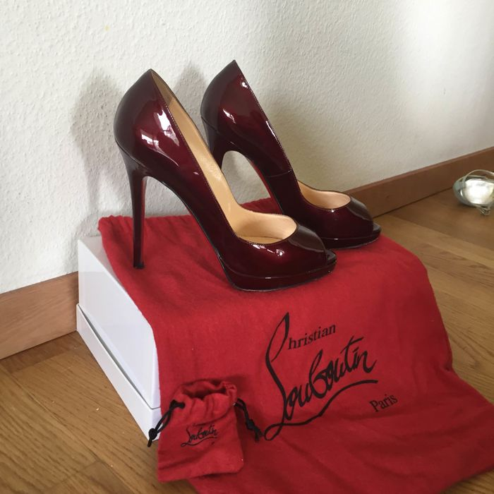 Christian Louboutin – Court shoes, Lady Peep model
