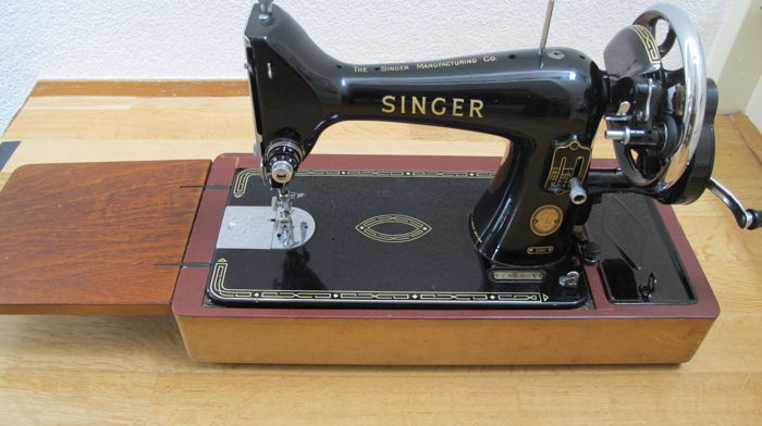 Vintage Singer sewing machine 99K, 1956.
