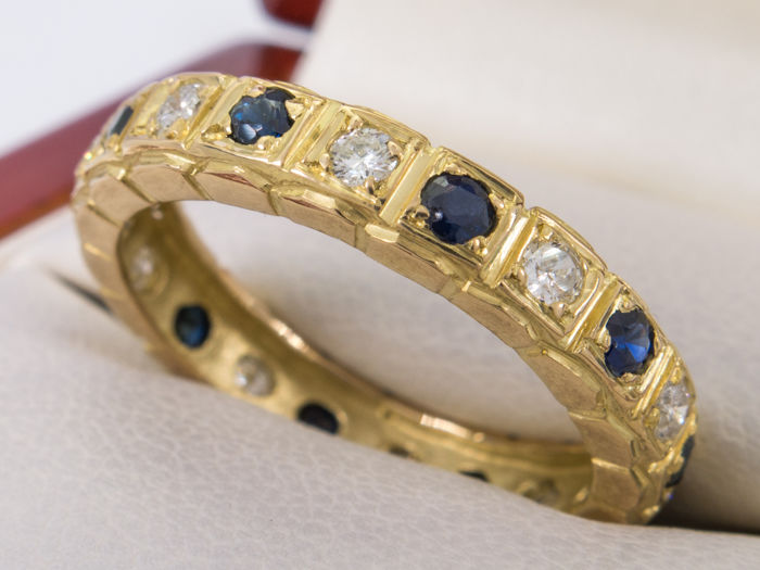 Full eternity 22 karat gold diamond & sapphire ring - **No Reserve price**