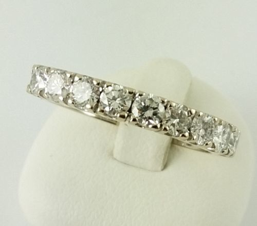 Brilliant ring – 750 yellow gold – 9 brilliants with a total of 0.90 ct.