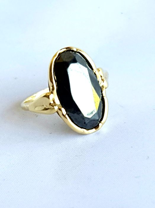 14 karat gold women's ring with stone, 5 grams, 2 cm, no resizing