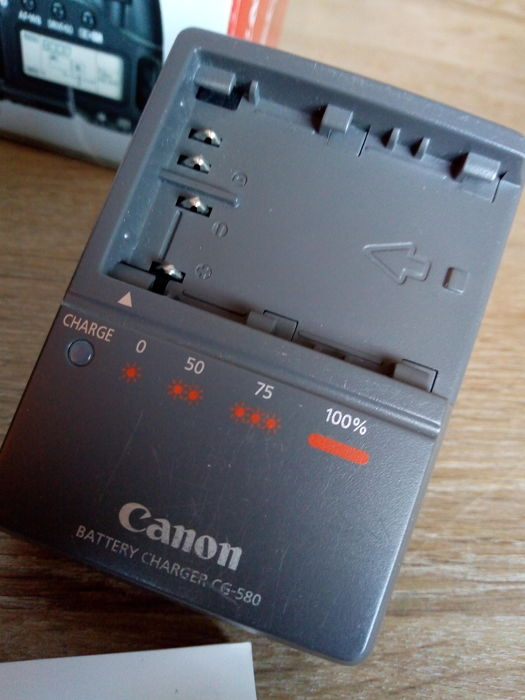 CANON EOS 30D BODY in box software charger complete - Catawiki