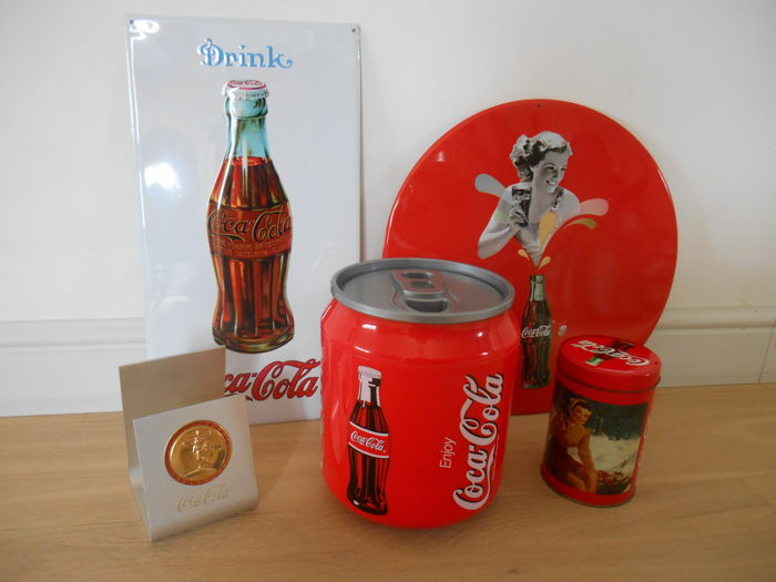 Lot of 5 Coca Cola collectibles from the 1990s