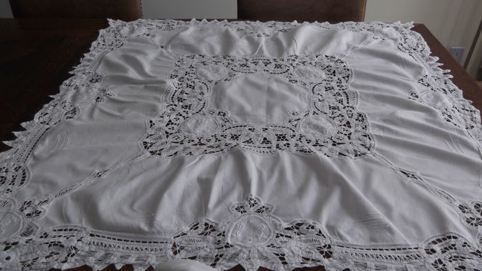 Richelieu embroidery tablecloth