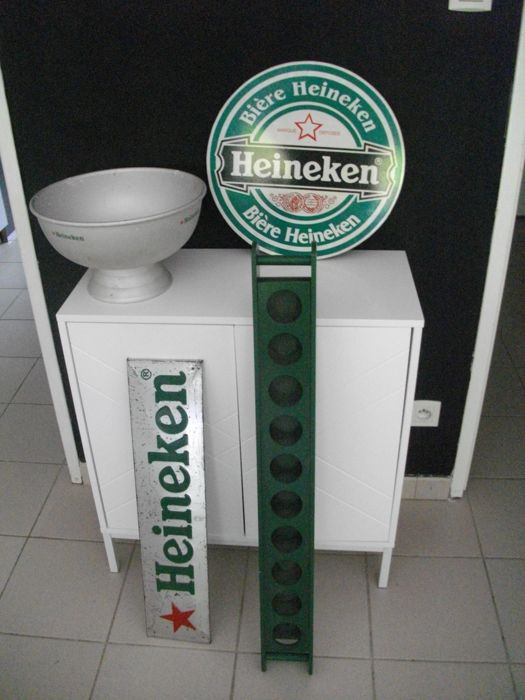 Collection of HEINEKEN items