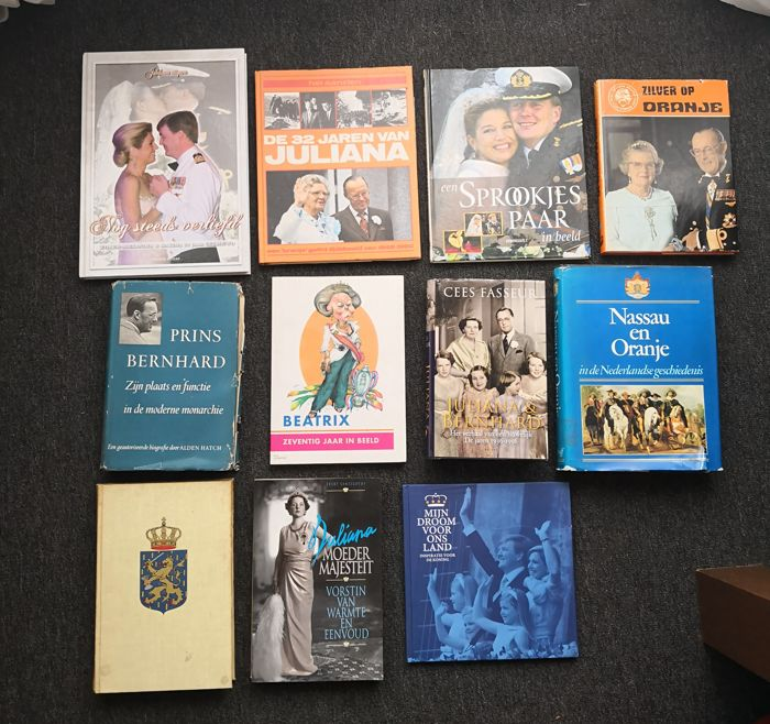 A lot with 17 items related to the Netherlands Royal family