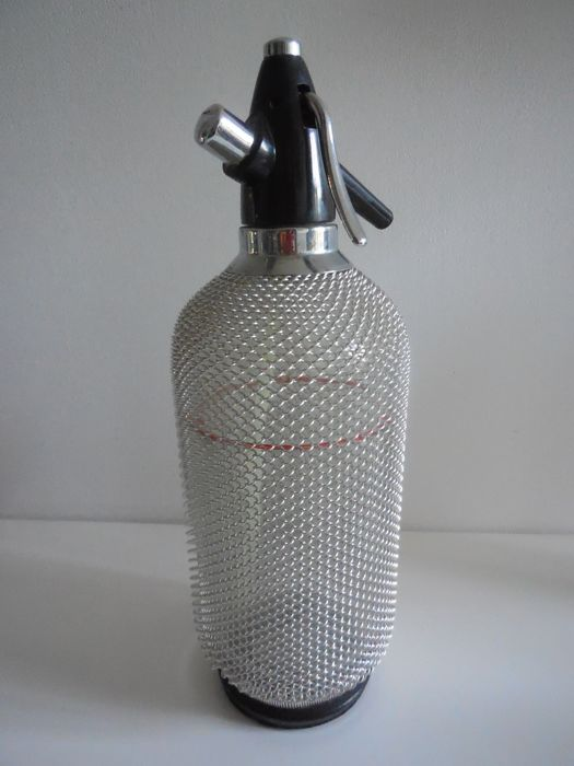 Old Seltzer water and soda Siphon made of glass and metal, 1 Litre