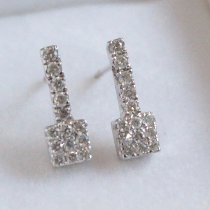 18 kt white gold diamond earrings, size: 6 x 15 mm
