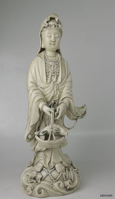 Statue of Guan Yin Blanc de Chine - China - late 20th century