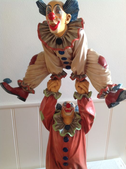 Jun Asilo - Large statue of 2 Clowns