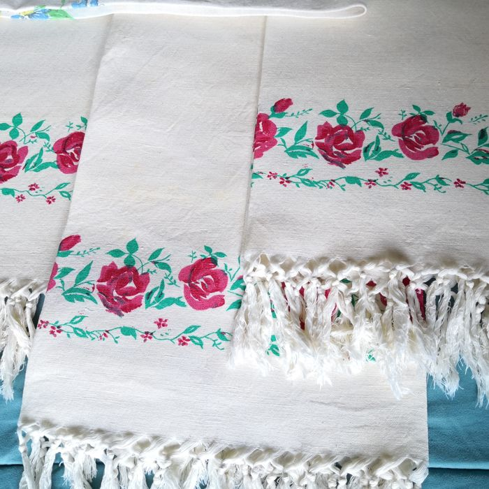 Six beautiful formal towels - Early 1900s Linen