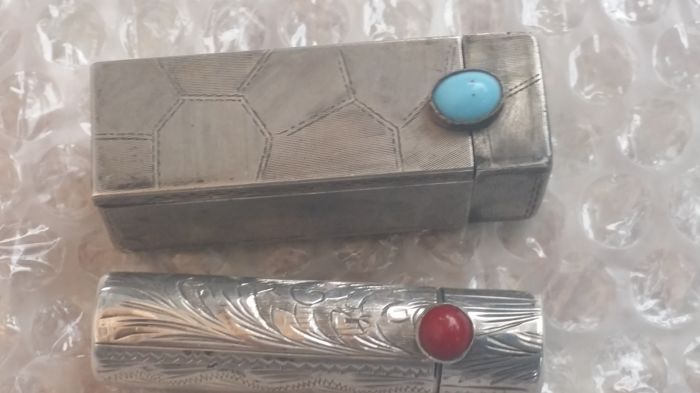 Two vintage lipstick holders in silver 800, hallmarked - Italy 1940s/50s - one with turquoise and one with coral