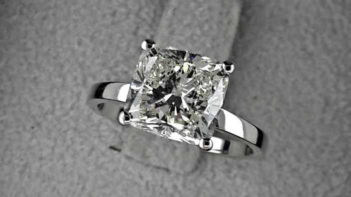 3.01 carat  cushion Diamond Solitaire Engagement Ring in 18 kt Solid White Gold