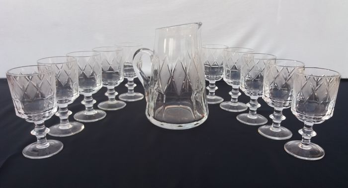 American Brilliant Period - Antique set of 11 pieces, goblets and carafe in cut crystal with chiselled diamond pattern