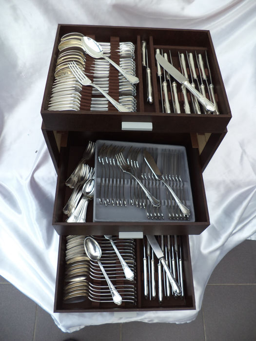 Cutlery case 96 pieces - antique SILVER PLATED - OKA 100/60/21 + 24 extra cutlery with other 'design'