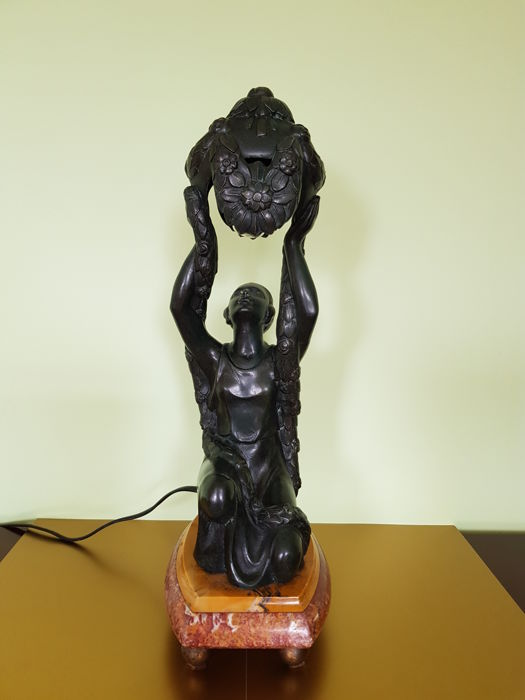 Art-Nouveau style Lamp - cast iron - kneeling female holding the garland lamp above her head - on onyx base - recent