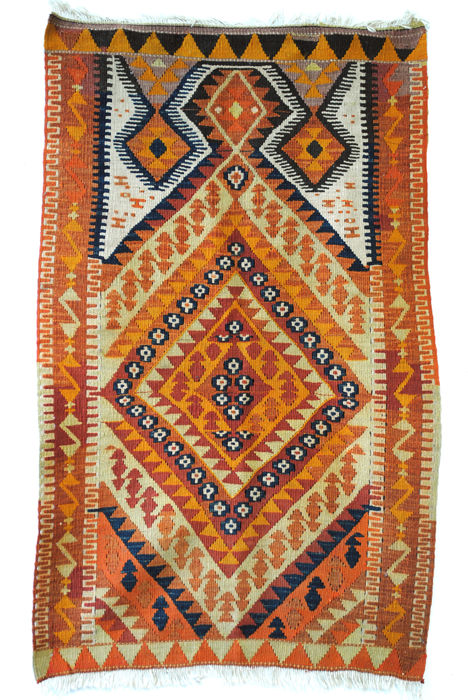 small prayer rug, 110 x 67 cm.
