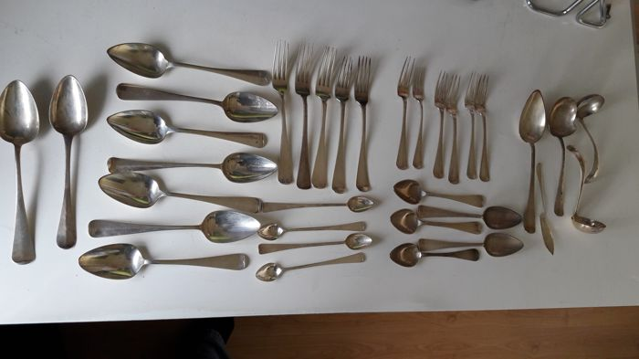 Silver cutlery, a.o. Haags lofje, The Netherlands