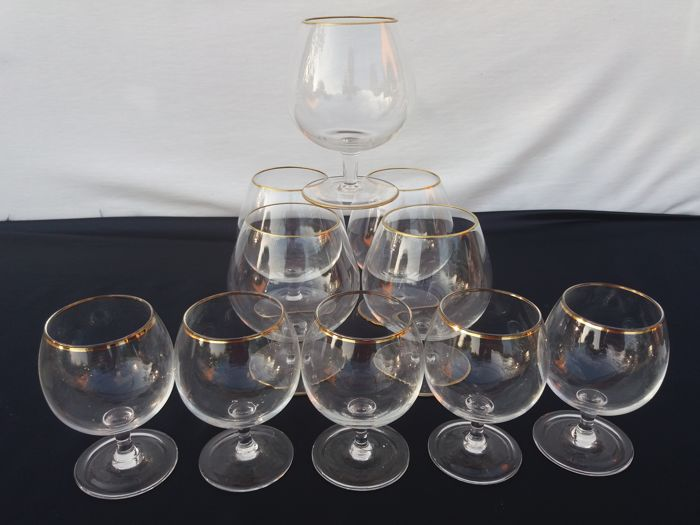 Baccarat S983 - Excellent glasses for cognac and whisky, 10 pieces in thin cut crystal with gold details