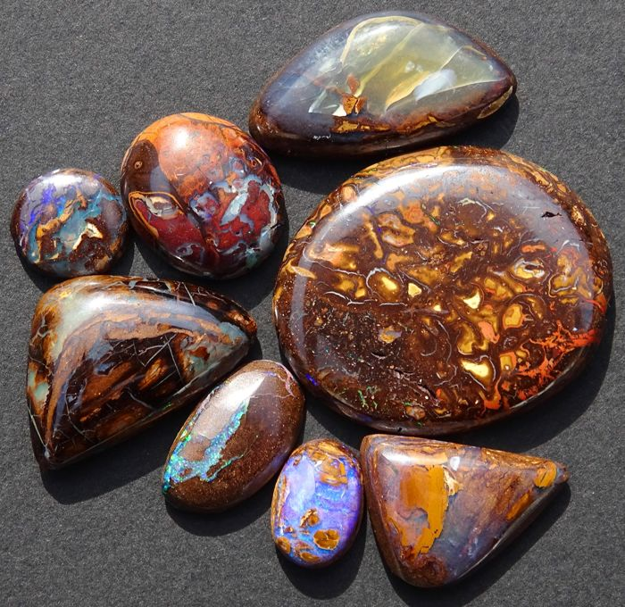 Lot of 8 natural boulder opals - 72.55 ct - Australia