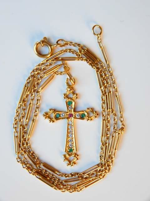 Chain of 50 cm + cross of 3.5 cm and stones all in 18 kt yellow gold