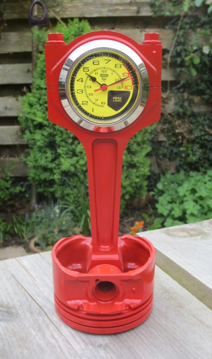 Automobilia V8 motorblok Piston Desk Clock Ferrari Top Gear Style