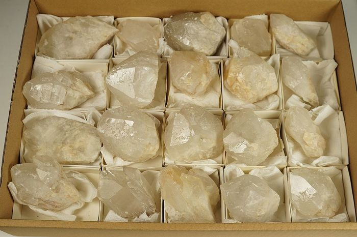 Quartz crystals - Big Lot 20 crystals from rare location - max 9 cm, min 5 cm - about 3200 gm