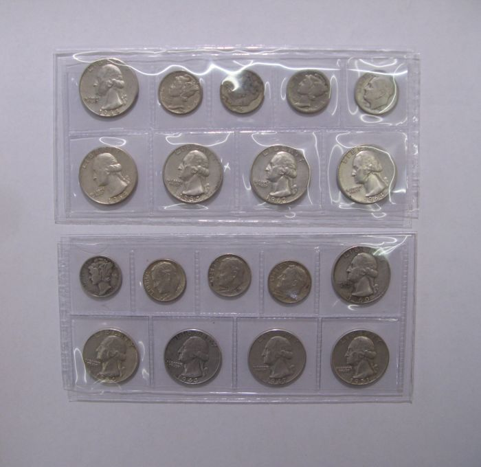 USA - 18 American silver coins (quarter dollar, one dime)