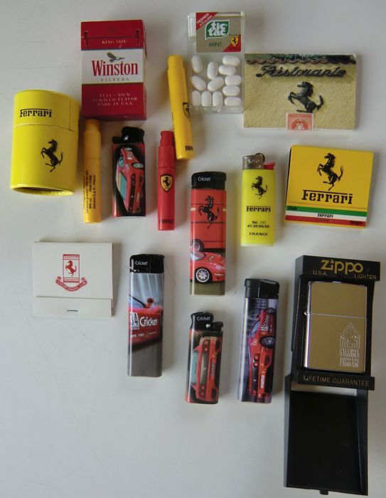 Collection Ferrari lighters and matches