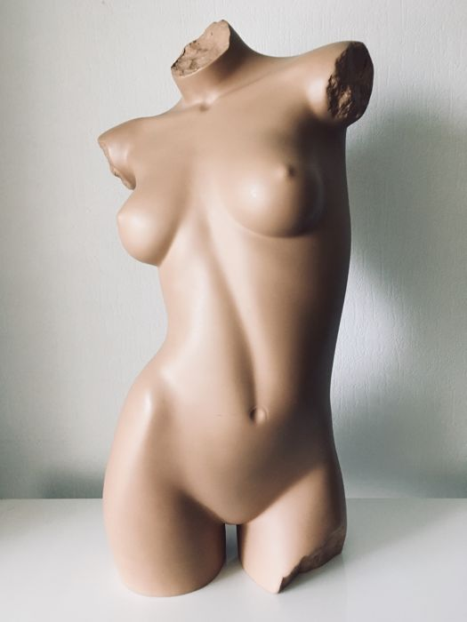Vintage - Detailed and realistic display doll - 1990's