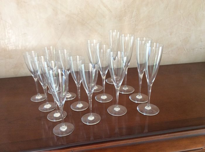 Baccarat - 15 crystal glasses
