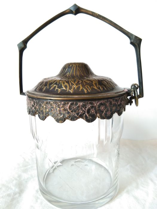 Orivit - Art Nouveau elegant ice bucket made by ORIVIT in silver plate and engraved glass