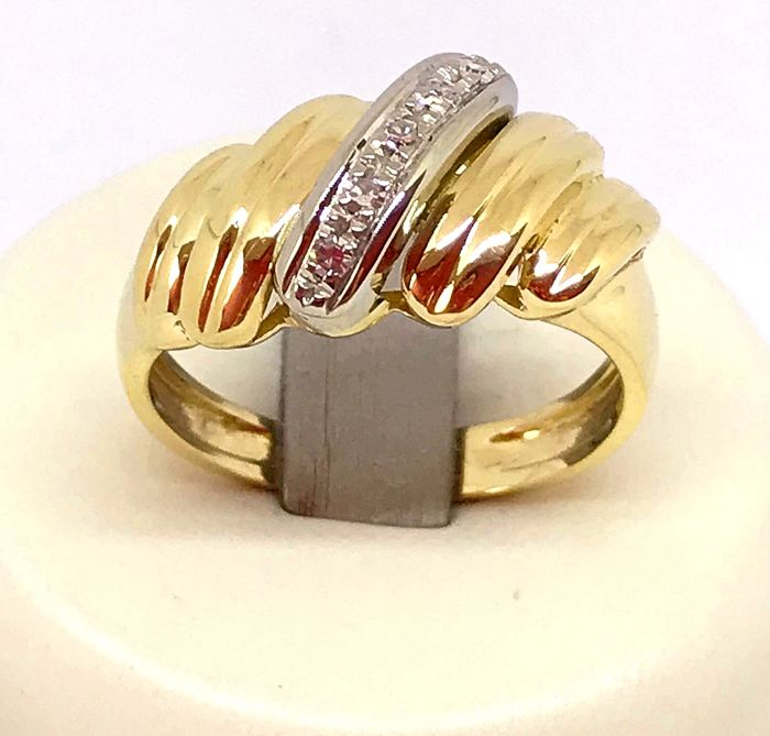 18 kt yellow gold ring with brilliant cut diamonds for 0.05 ct, G/VS