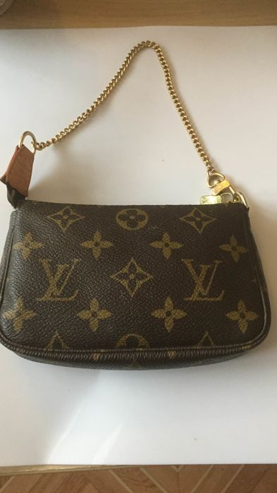 Louis Vuitton - Mini Pochette